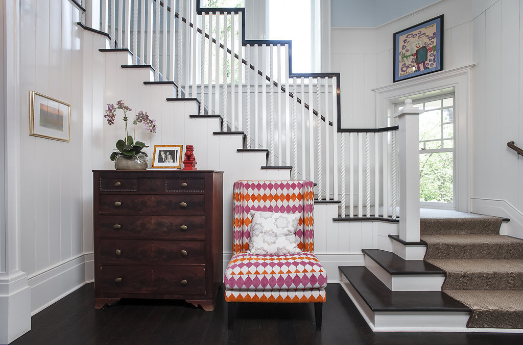 06a. Stair Front Hall – Chair