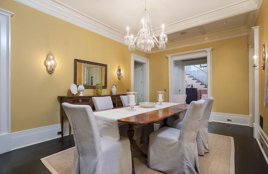 09. Dining Room