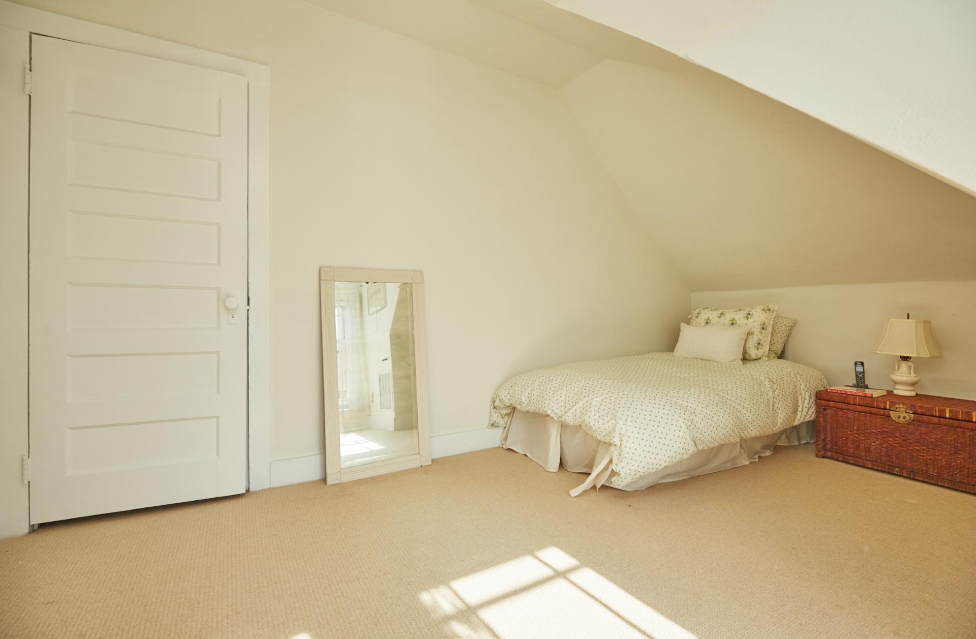 18. Bedroom3_
