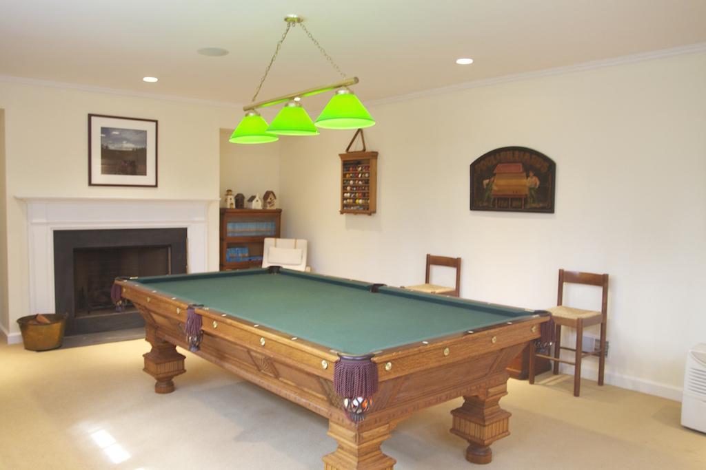 21. Pool Table – EKW 26N