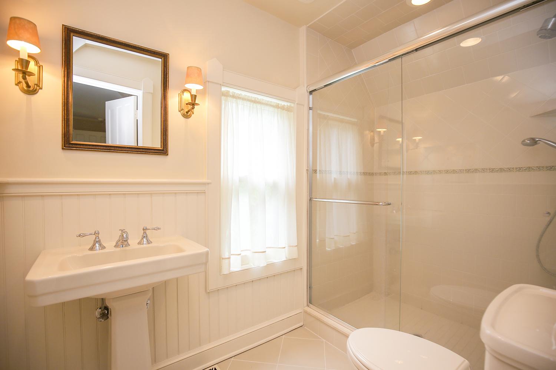 24. bathroom-2