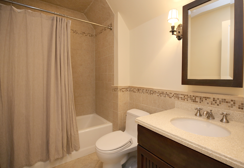 25. bathroo-3