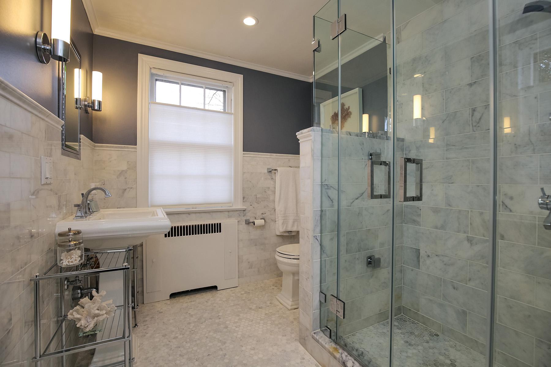 12-master-bath