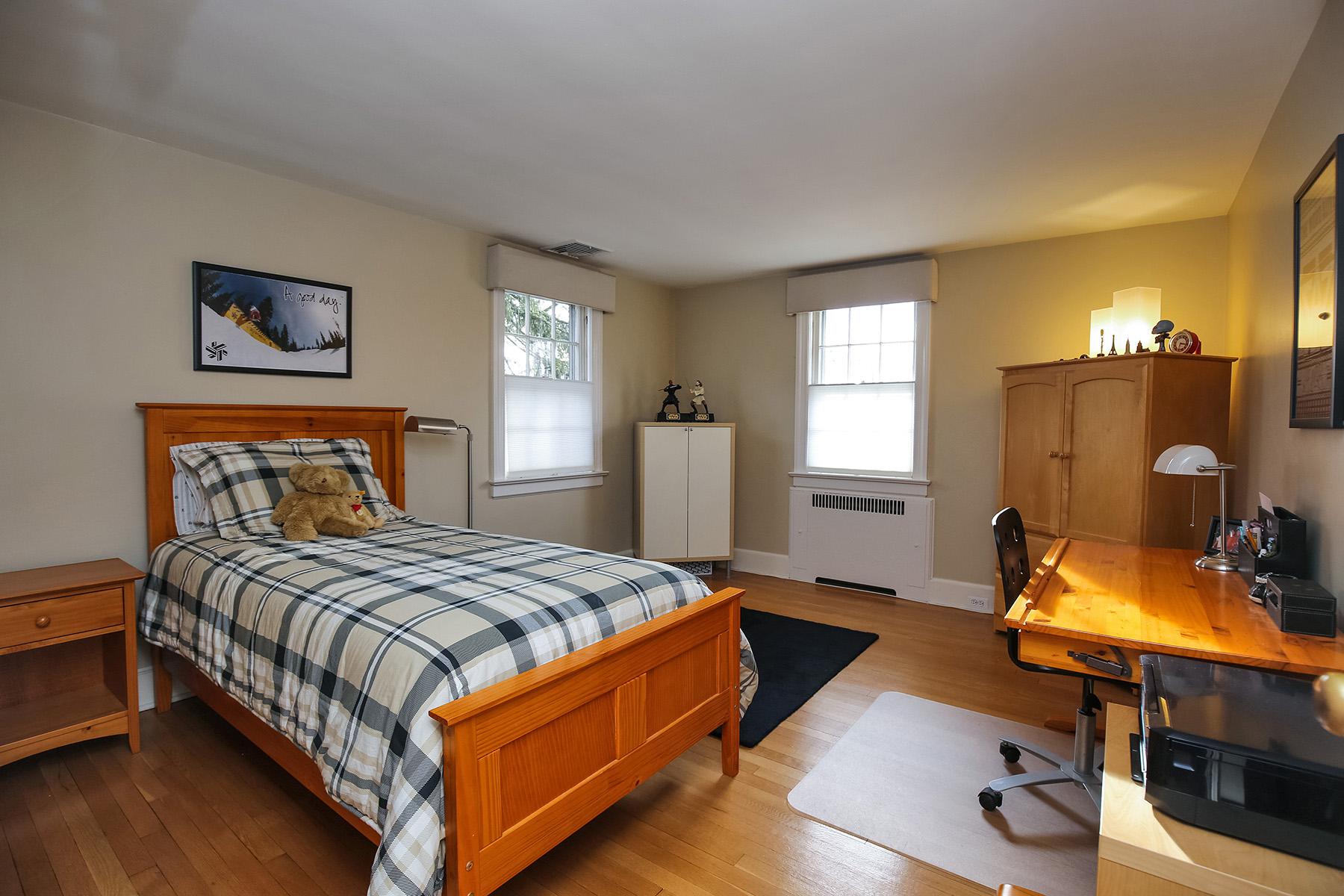 16-bedroom-2