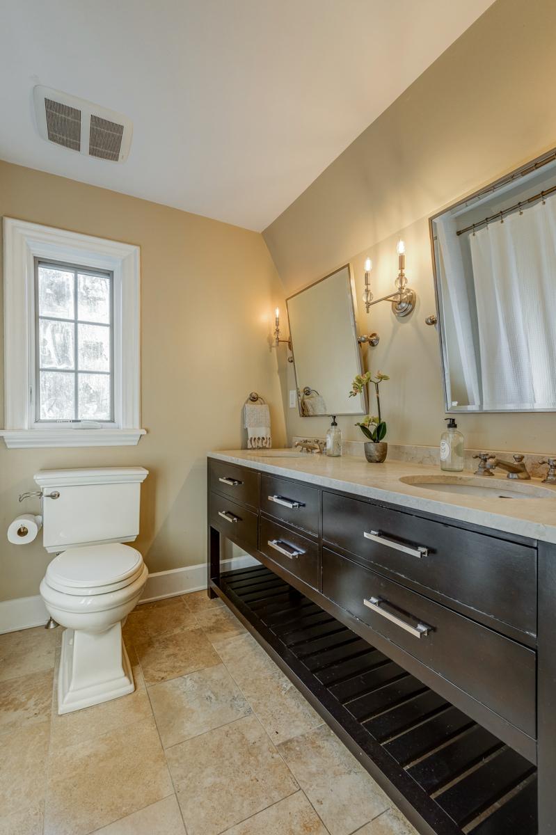 15. Hall Bath – Double Vanity_53A1809_10_11