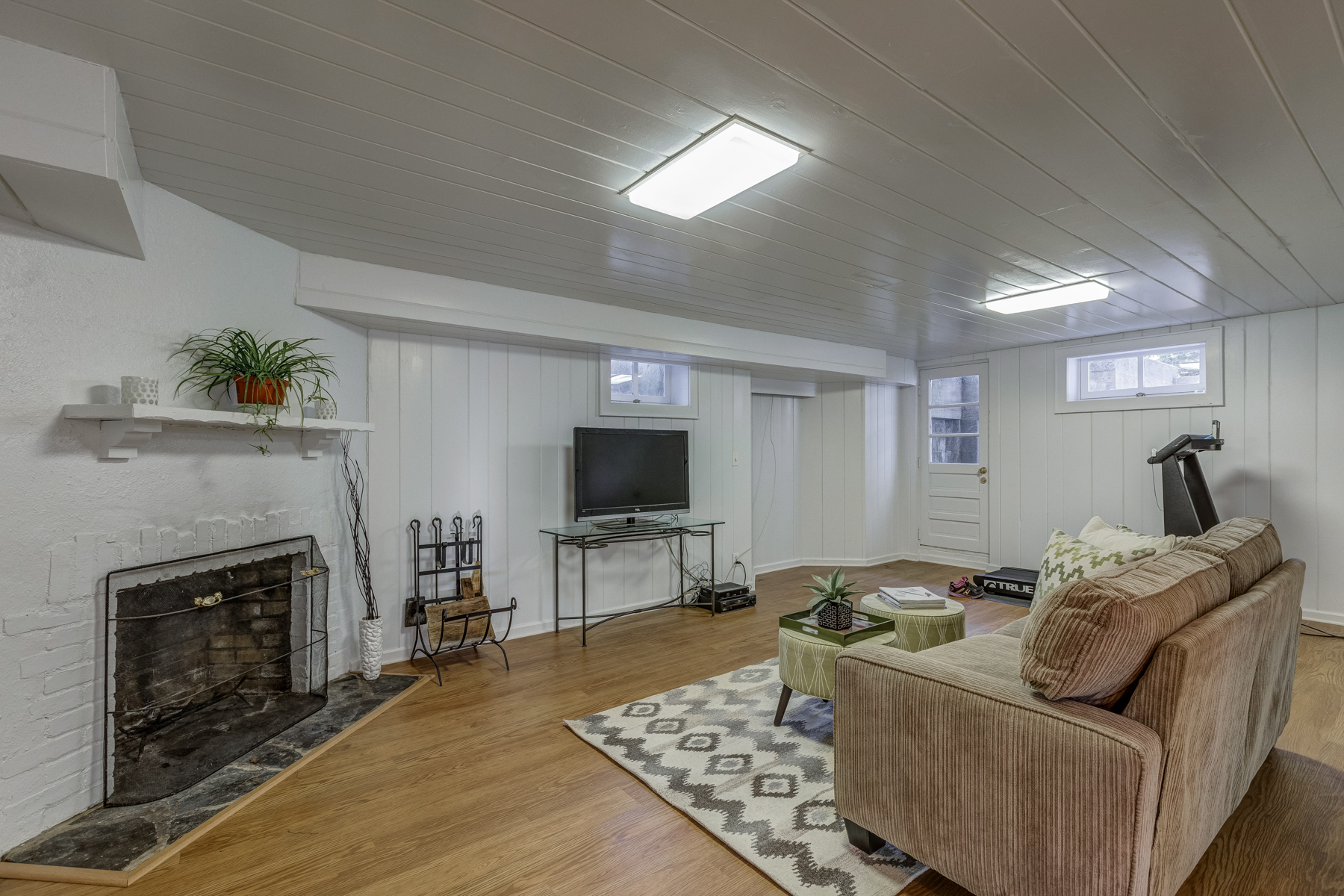 19. Basement – another view_53A1842_3_4