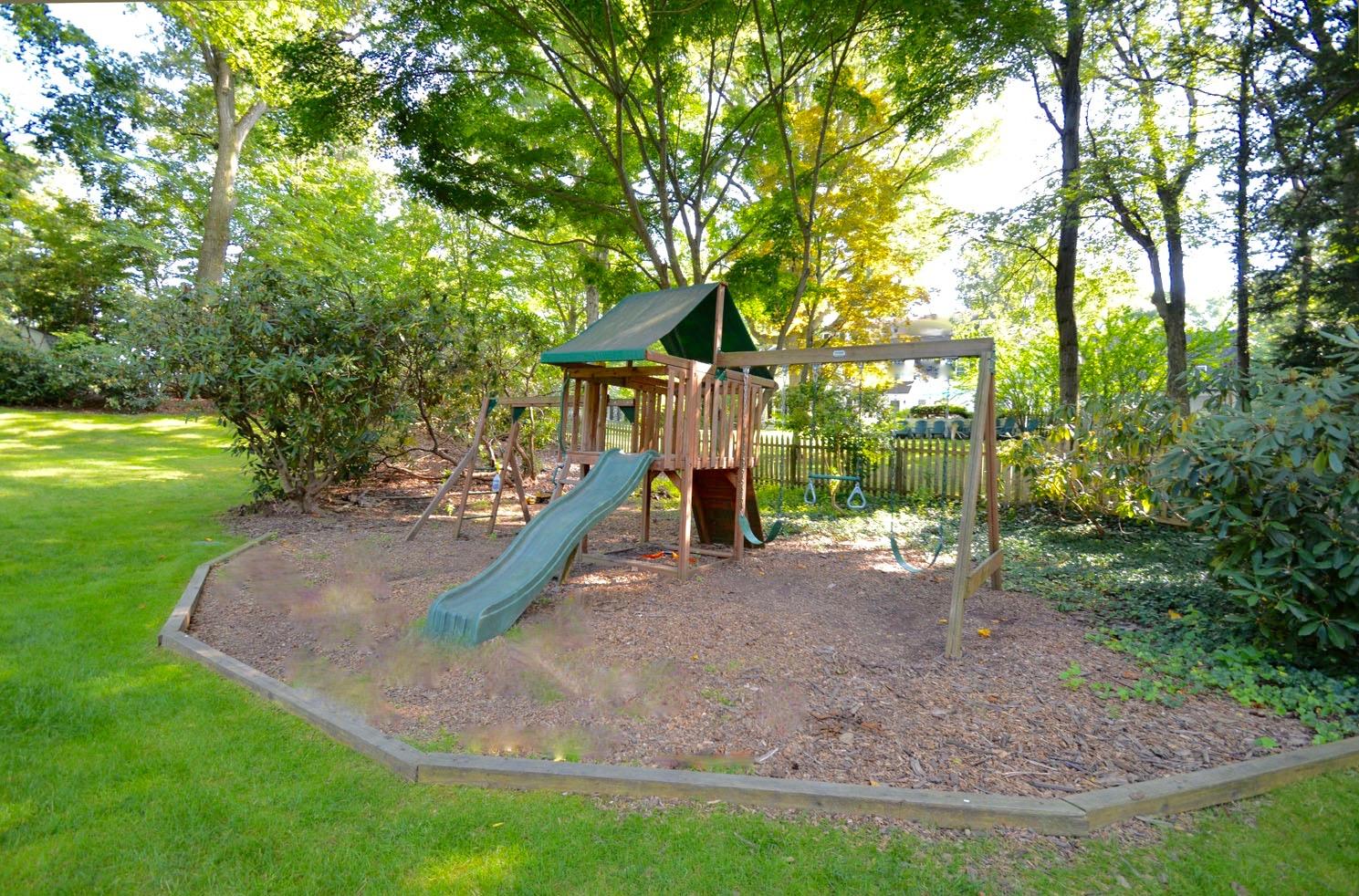 26. Play Area – CC – 66 Windermere