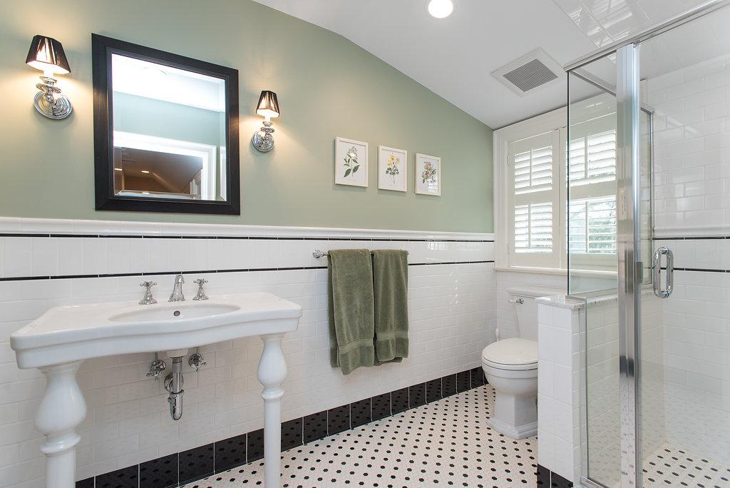 14b. 3rd Floor Bath – DSC_1760-Edit