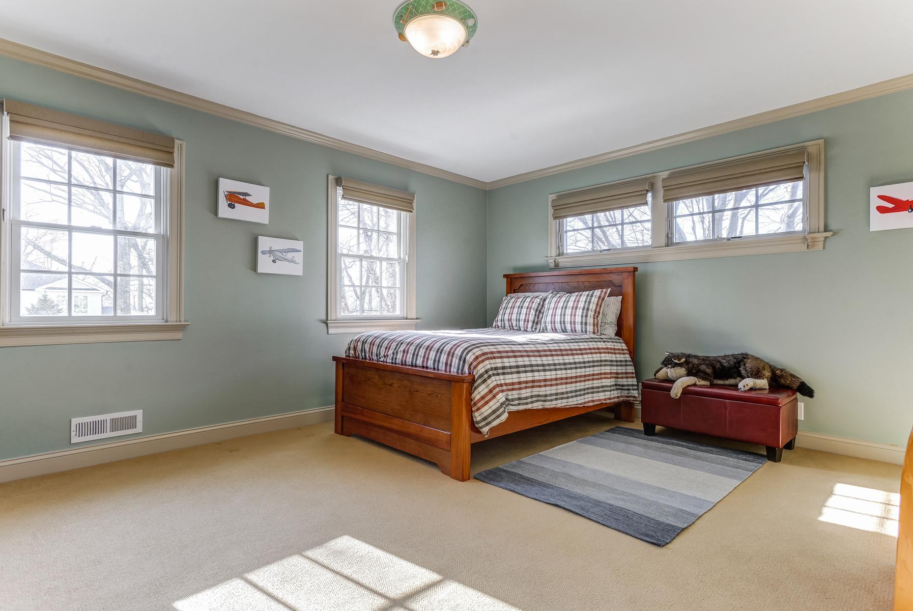 16. Bedroom Three_DSC9625_26_27_28_29_30_31