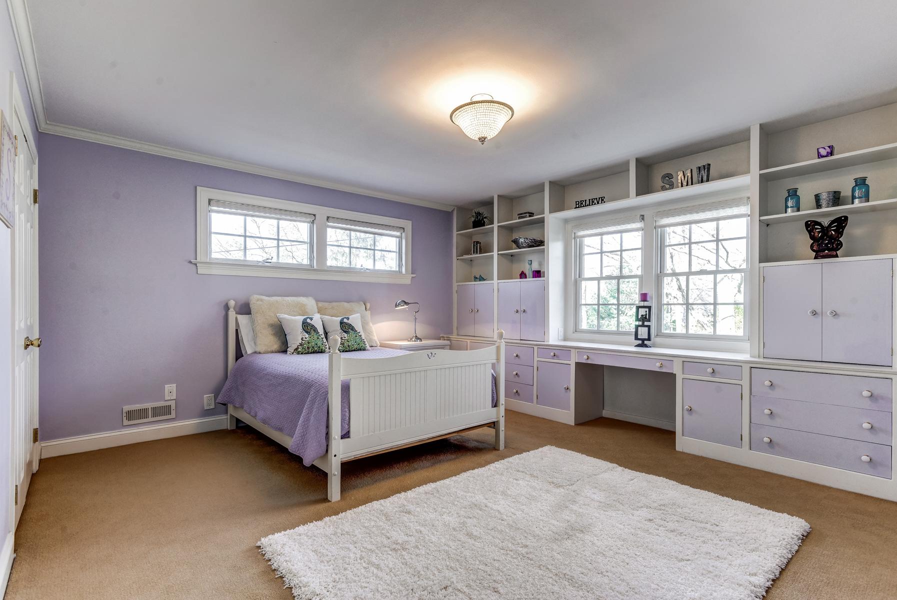 17. Bedroom Four with Ensuite Bath_DSC9652_3_4_5_6_7_8