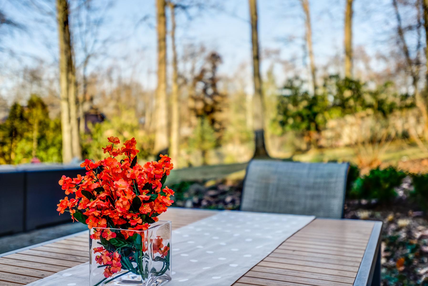 26. Outdoor Dining_DSC9931_2_3_4_5