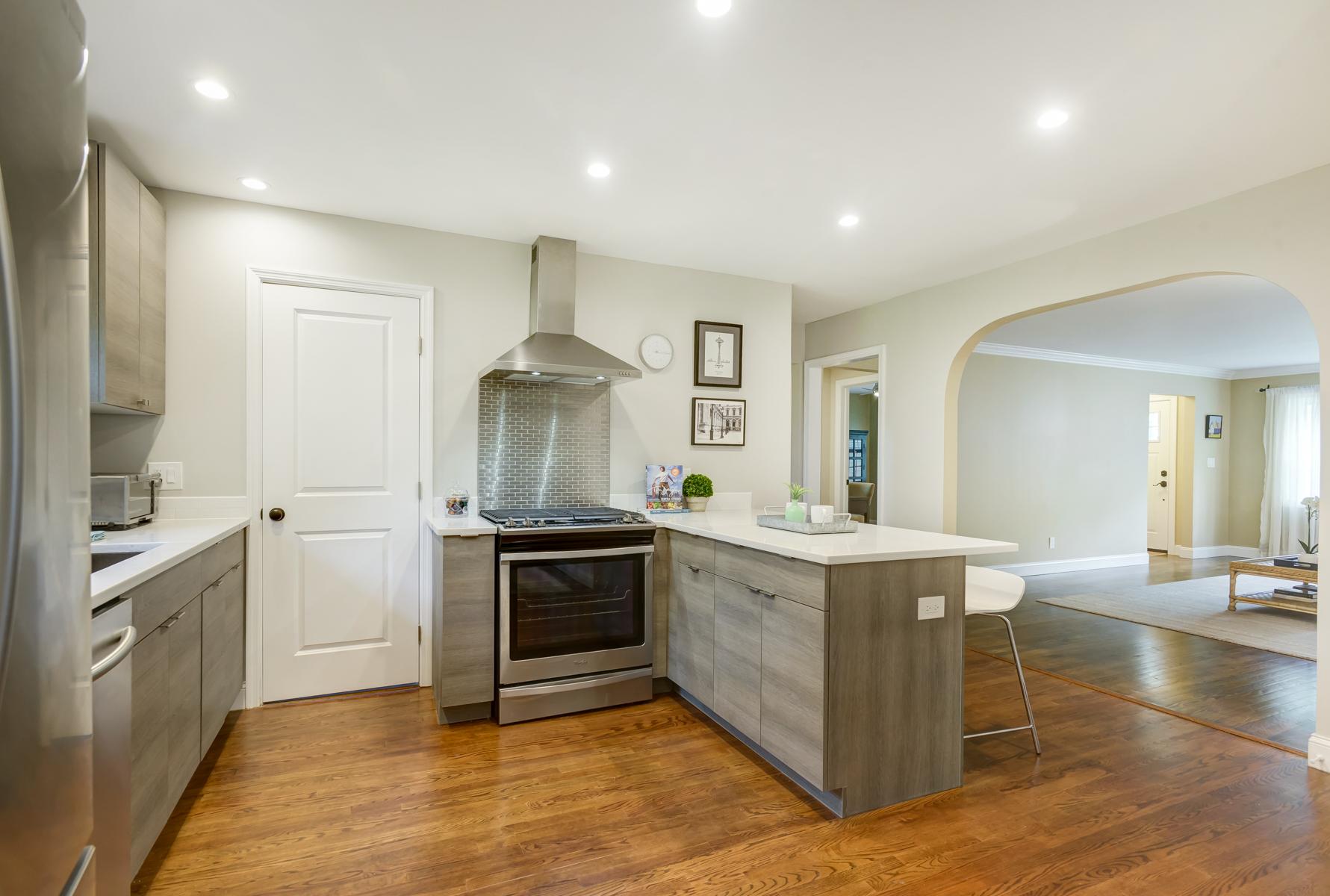 10. Kitchen view_DSC1674_5_6_7_8