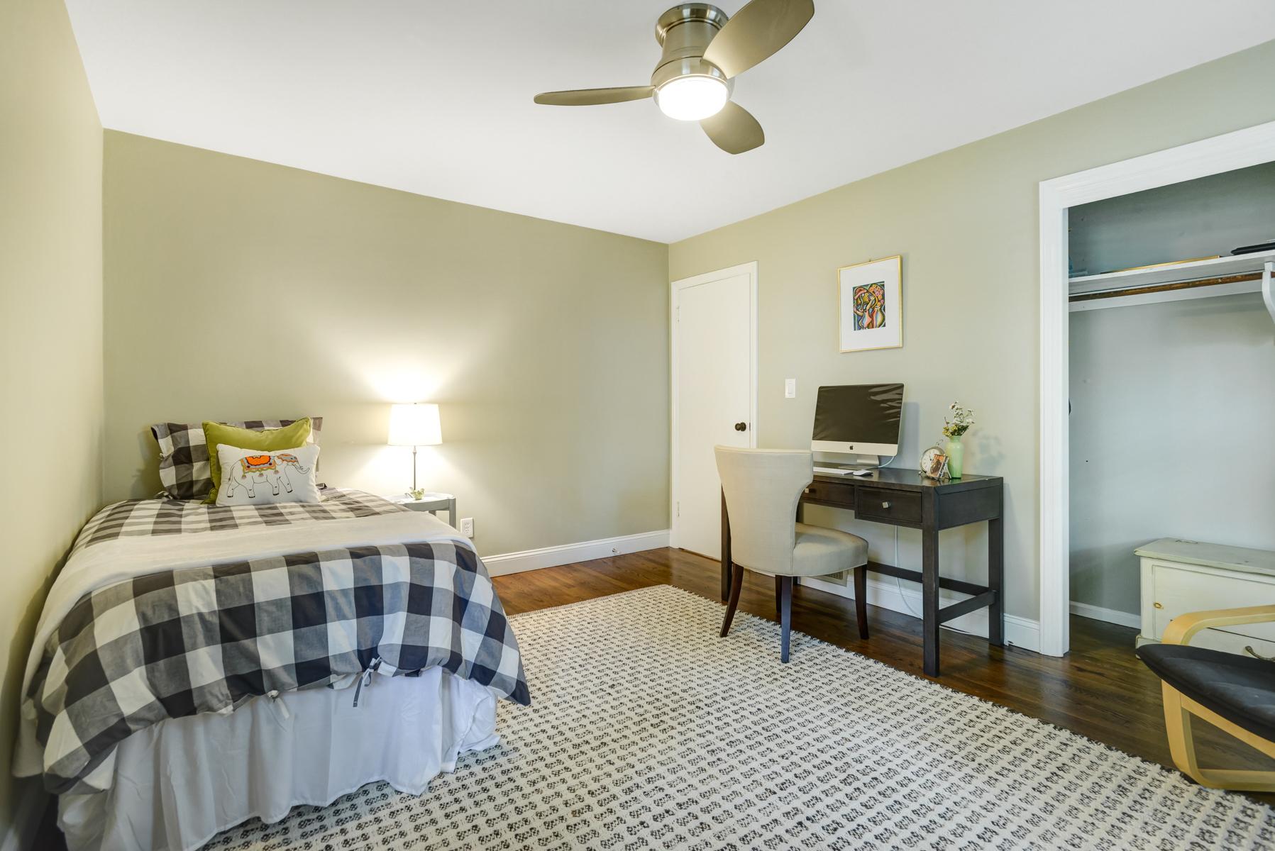 14. Bedroom Three_DSC1714_5_6_7_8