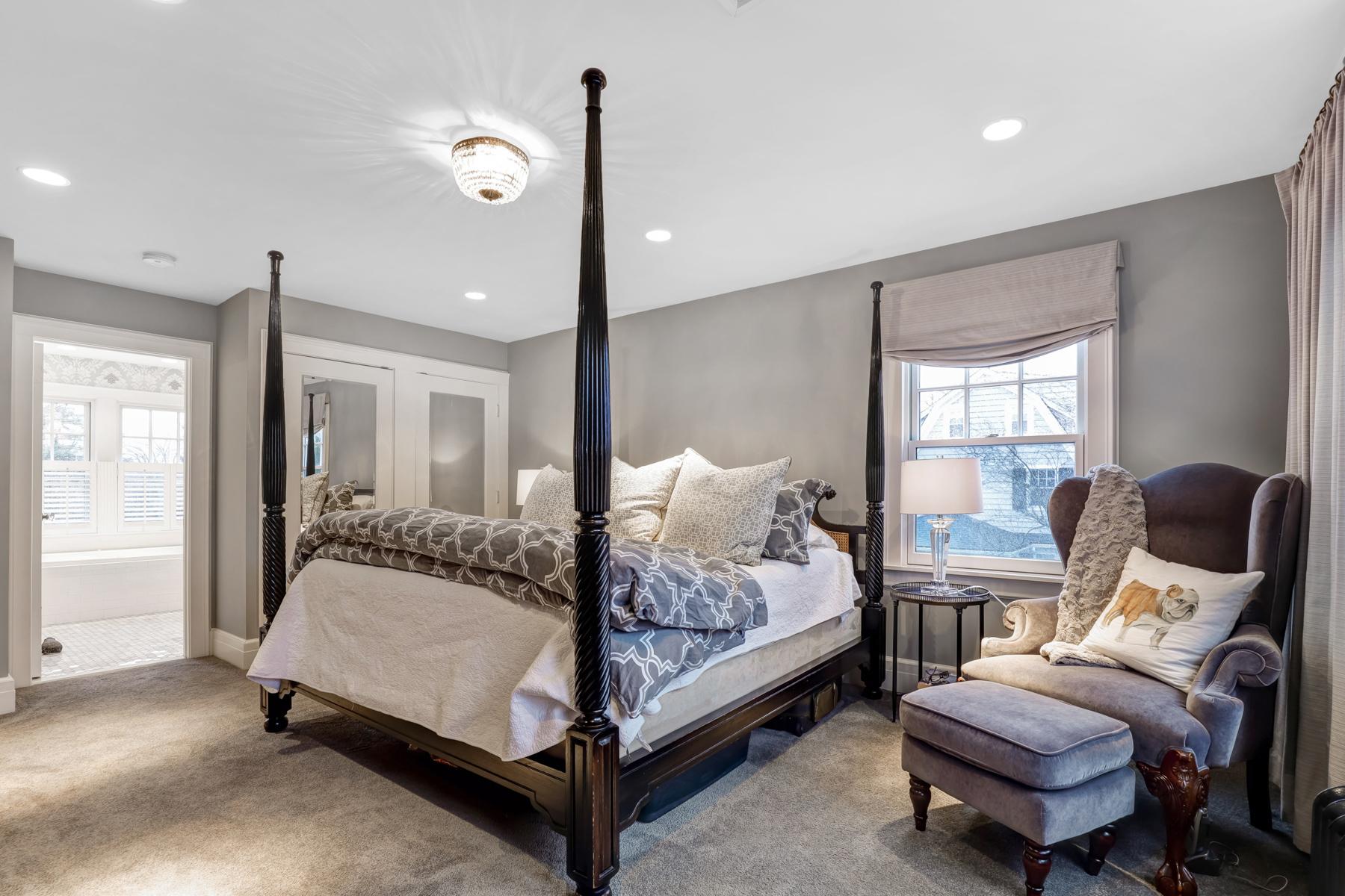 11. Master Bedroom to Bath-33HobartAve-52_3_4.jpg- elizabeth winterbottom