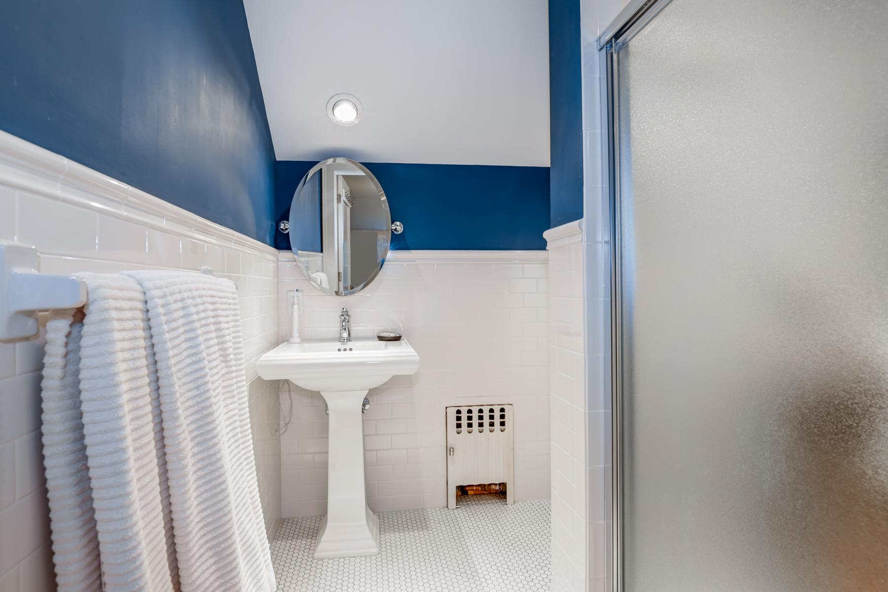 18. Bath- Blue -33HobartAve-64_5_6