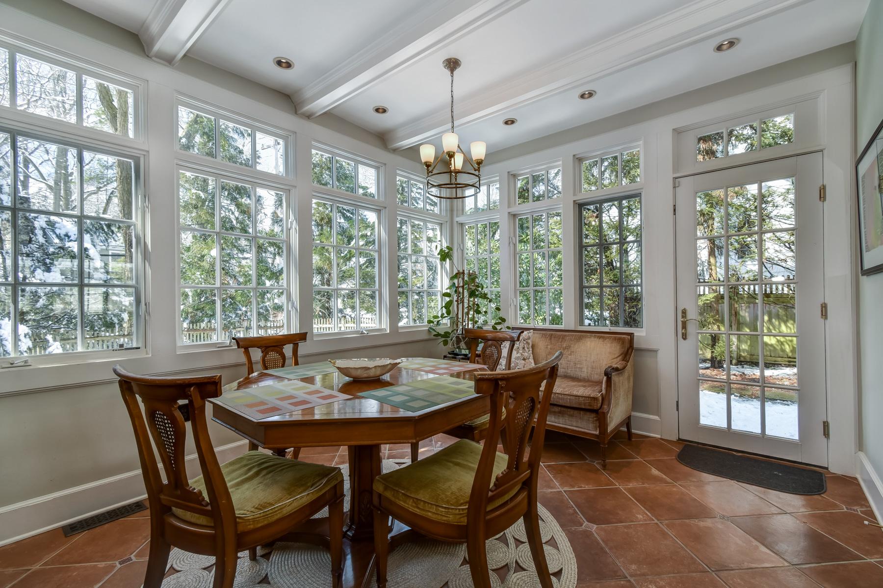 10. Kitchen Table – DSC_3542_3_4
