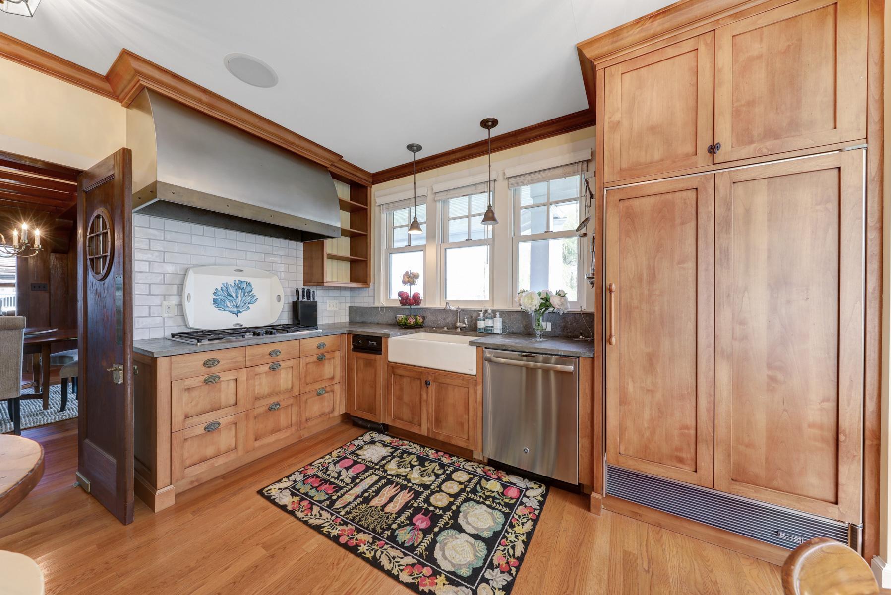 13.d. Upstairs Kitchen – Nook – VMD (41 of 73)