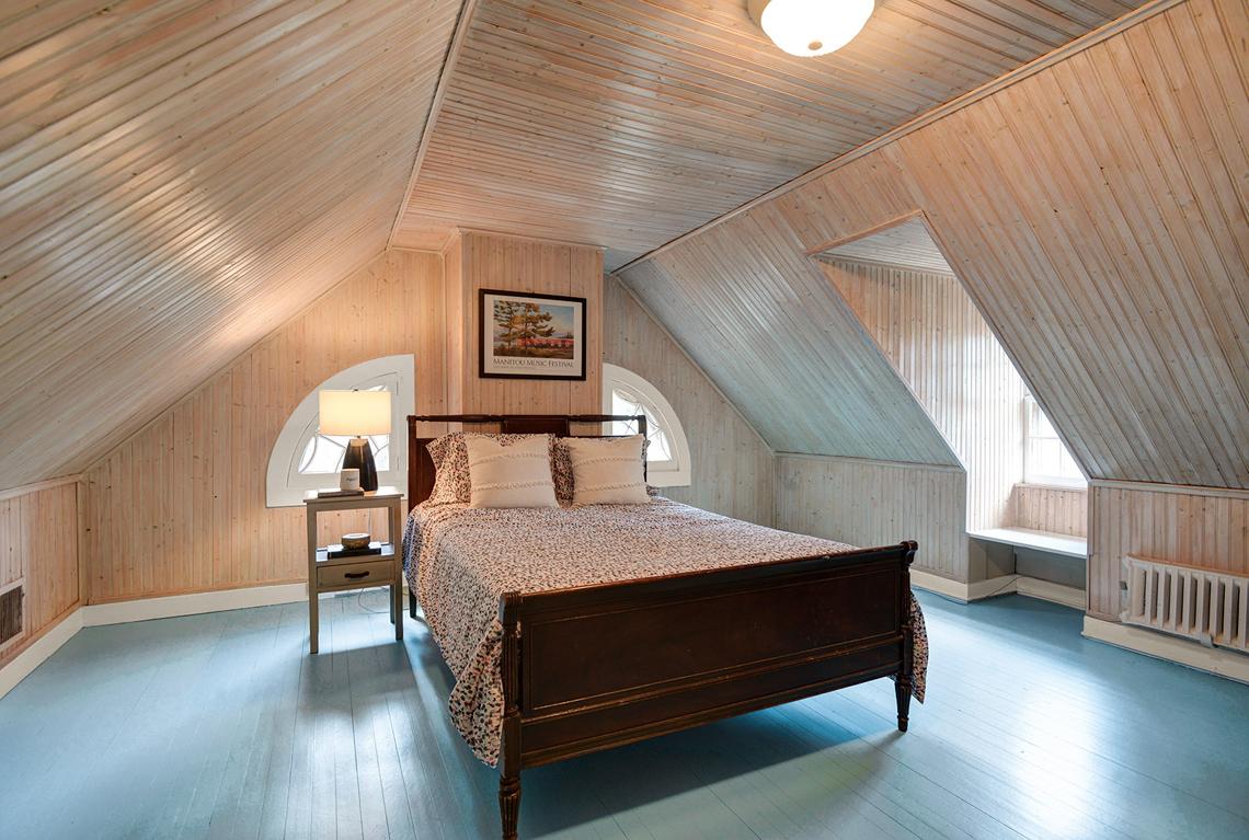 16. Bedroom 4 DSC_3492_3_4_5_6