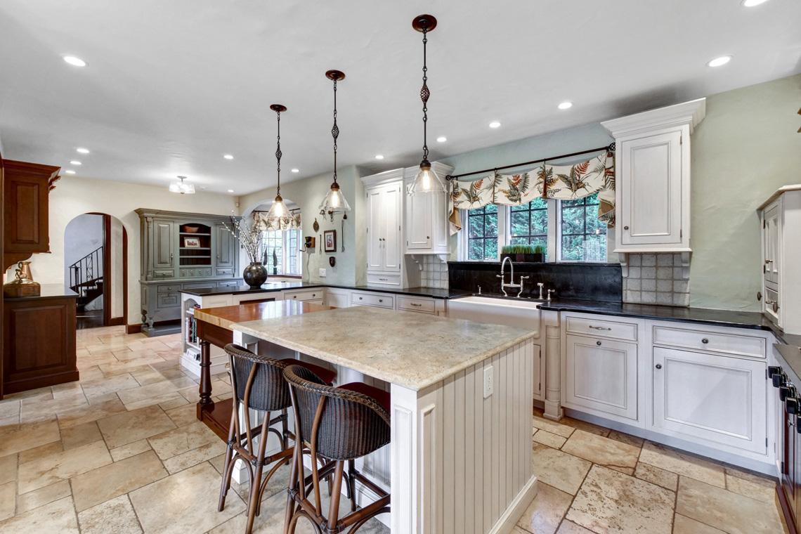 05c. Kitchen to Foyer – VMD (34 of 62)