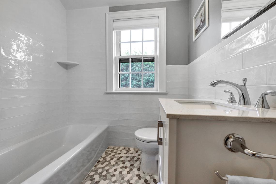 19. Hall Bath 2 – VMD (48 of 62)