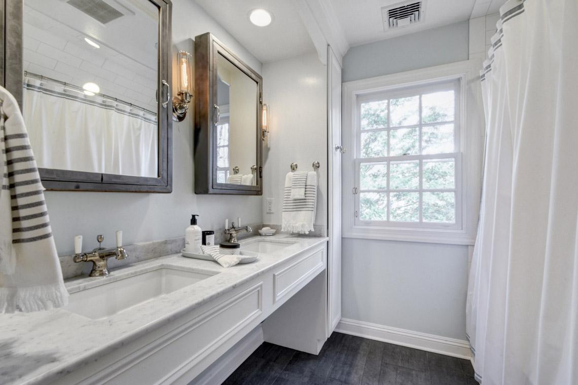 13a. Hall Bath – VMD (4 of 44)