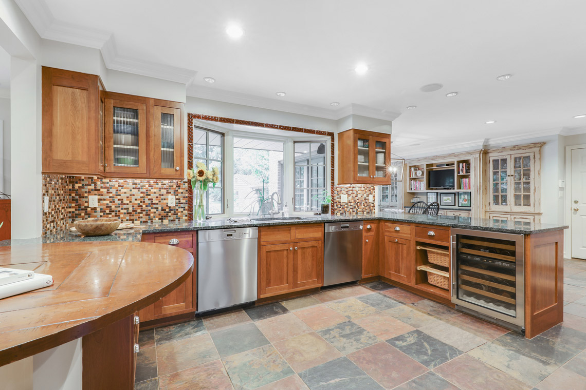 08b. Kitchen to Sink – VMD_014