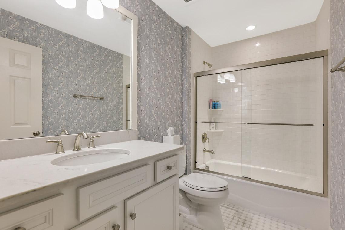 14. Hall Bath – VMD_015