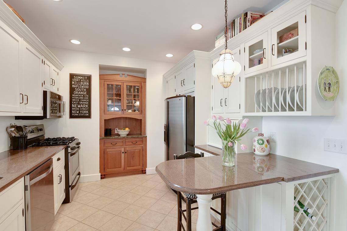 05. Kitchen to rear – VMD_003