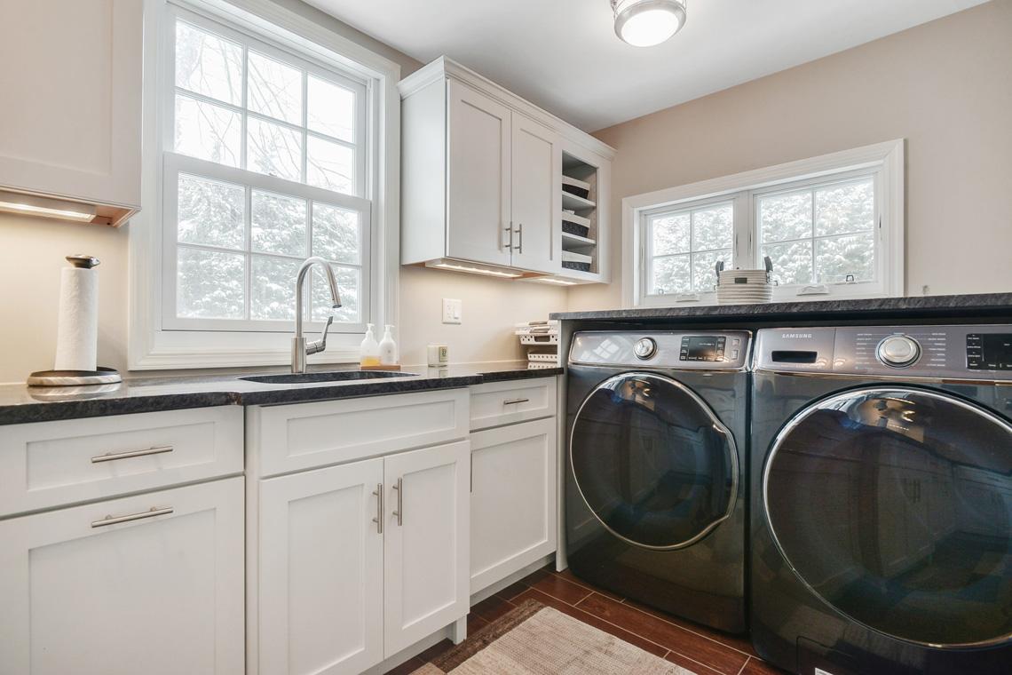 10. Laundry Room – First Floor VMD_025