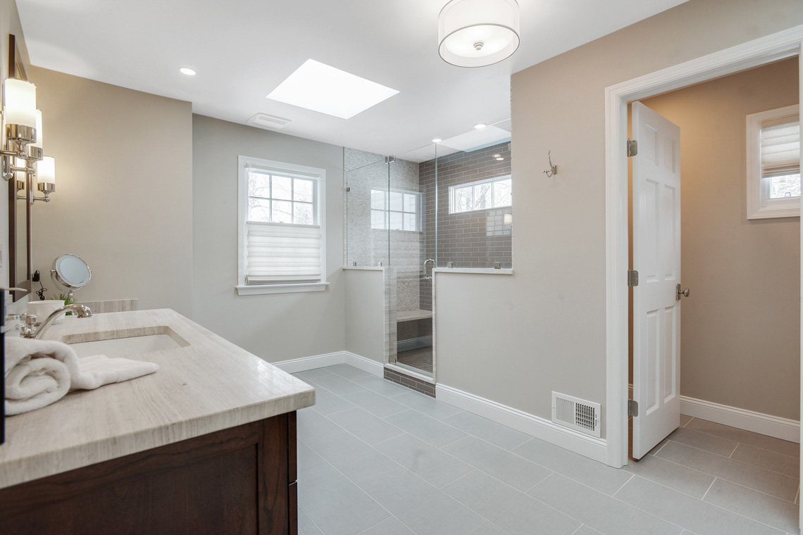 12a. Primary Suite Bath VMD_023