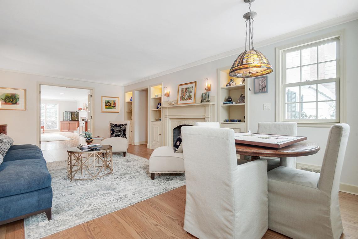 2.Living Room to Family Room VMD_004