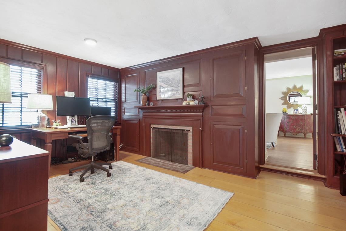 6. First Floor office VMD_006