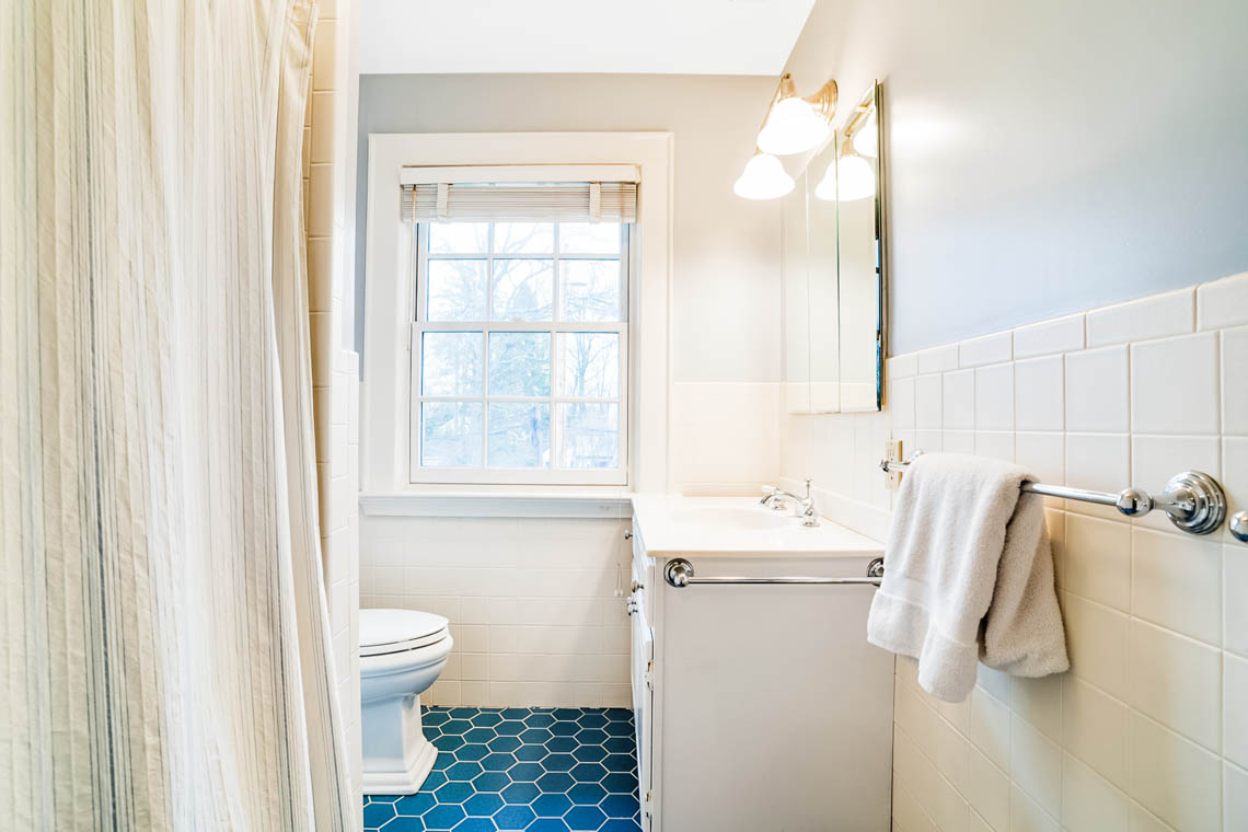 16. Hall Bath – VMD_031