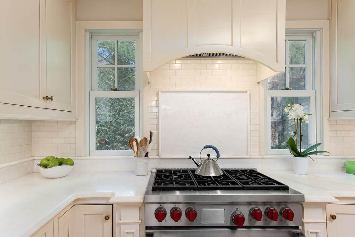 07c. Kitchen3 – Range – DSC_9356-Edit