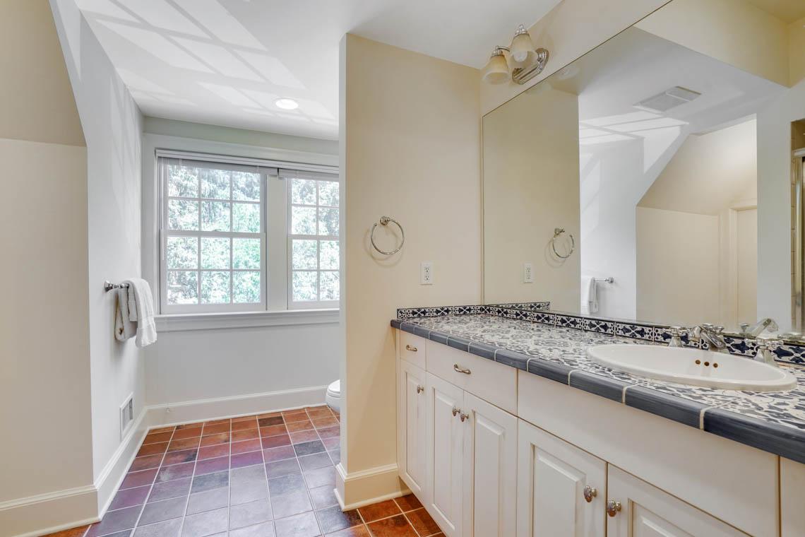07n. Guest Bath – VMD_036