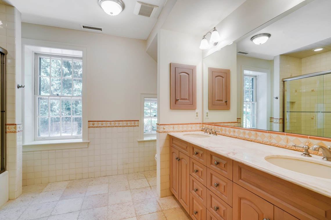 15a. Hall Bath – VMD_015