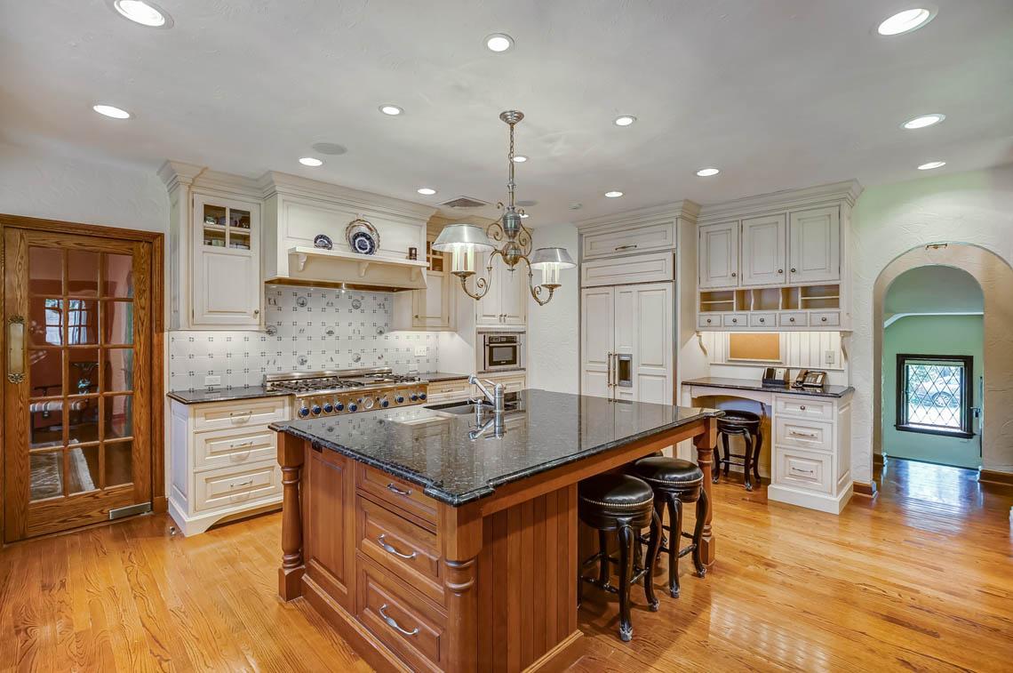 4a. kitchen appliances IMG_2656_7_8
