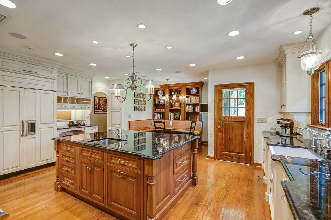 4c. kitchen IMG_2659_60_61